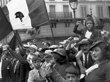 willyronisfrontpopulaire14juillet1936.jpg